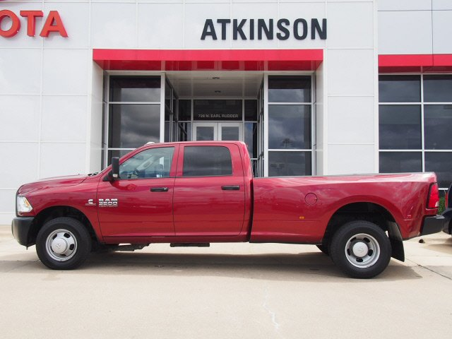 2013 Deep Cherry Red Crystal Pearl Coat Ram 3500 The