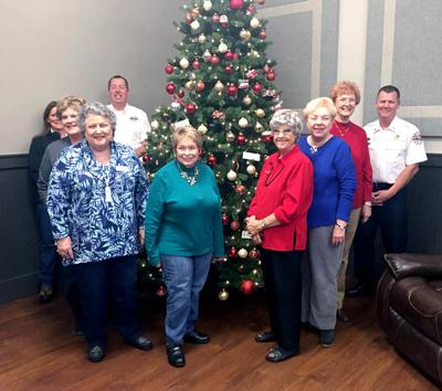 United Daughters of the Confederacy donates Christmas tree ...