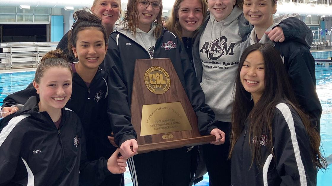 Kaitlyn Owens leads A&M Consolidated girls swimmers to third at state meet