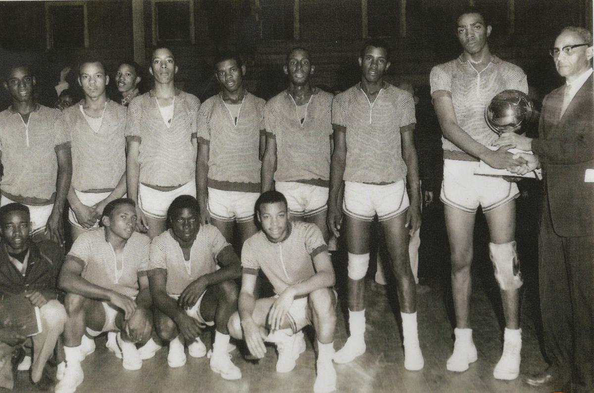 CS Lincoln basketball team