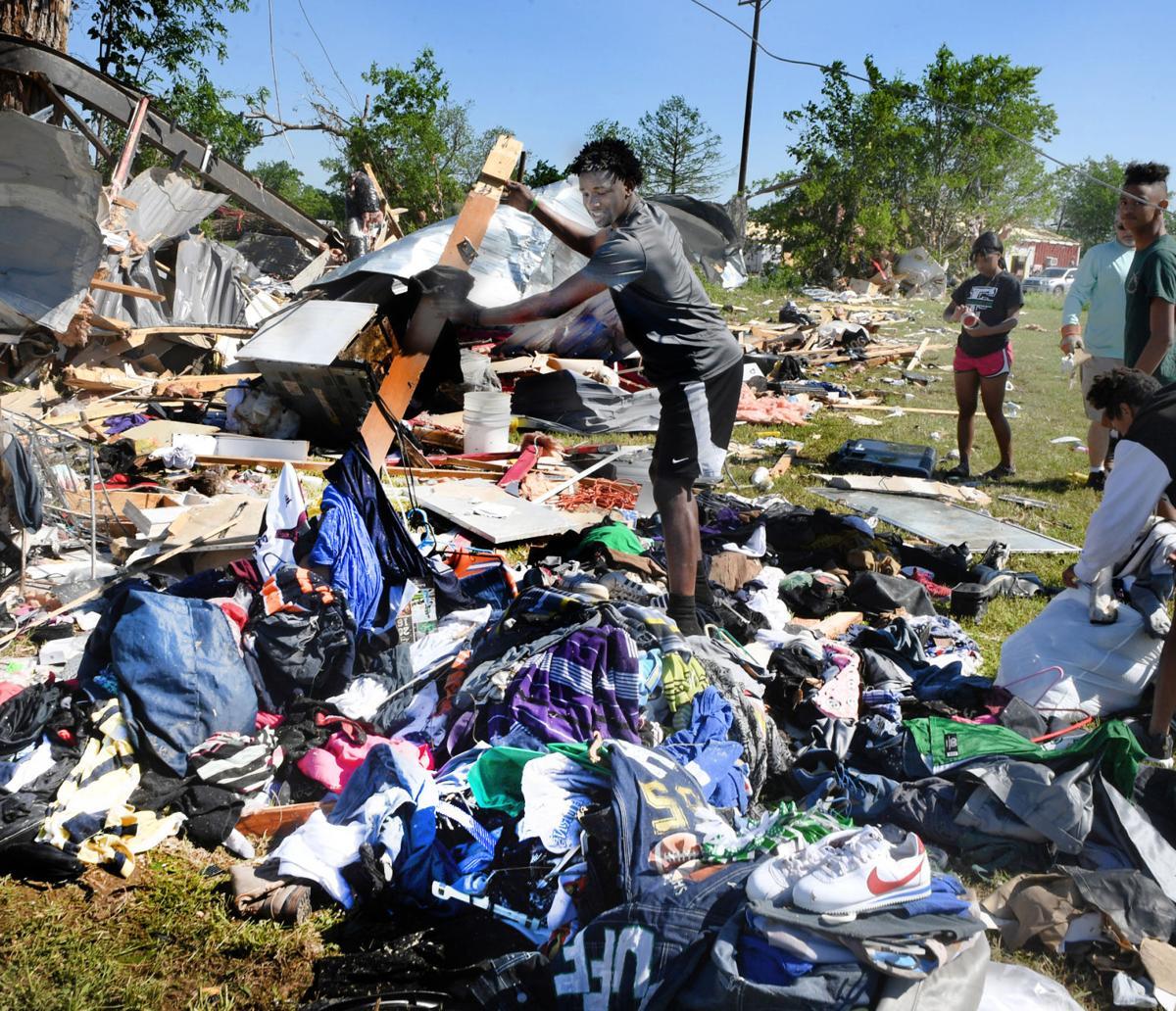 Franklin tornado destroys 55 homes