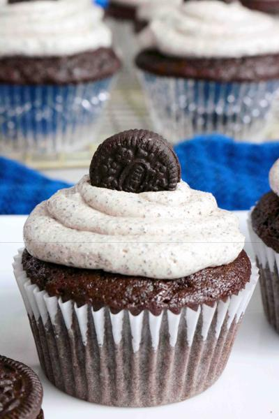 KELLY ANTHONY: Oreo cupcakes