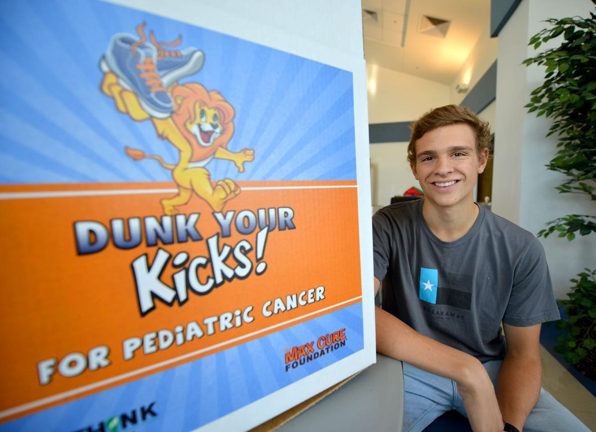Dunk your kicks