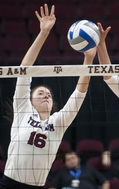 Lady Aggie Volleyball Beats New Mexico State