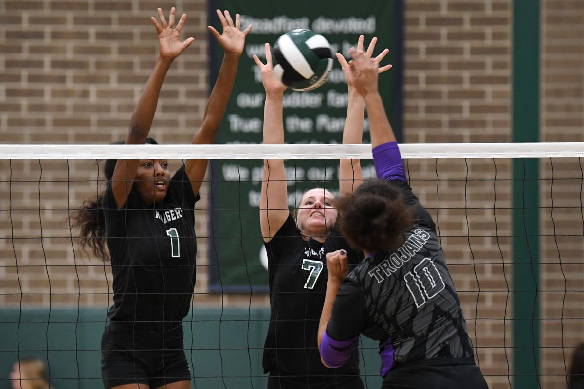 Waco University vs. Rudder volleyball (copy)