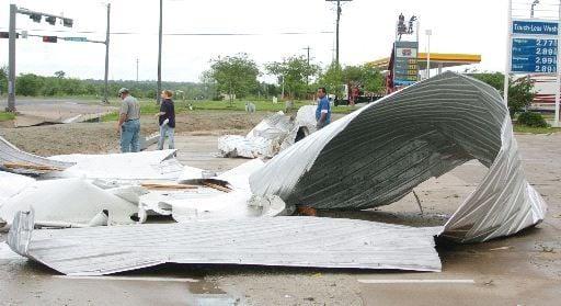 Storm damages south College Station buildings