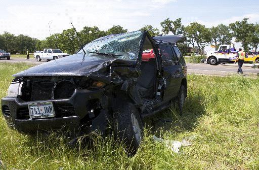 College Station crash closes road, injures 2; Leon wreck kills teen