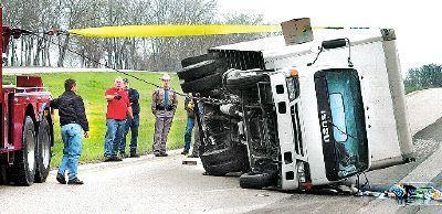 Truck rollover holds up traffic on Texas 6 near Navasota