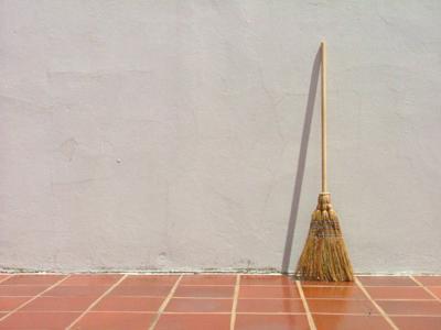 broom-1534034.jpg