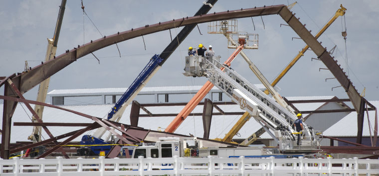 5 injured after building collapses at Texas A&M Equine Complex construction site