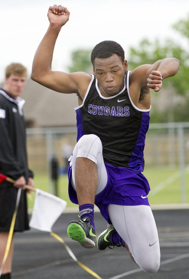 amorpher 3 5a district track meet