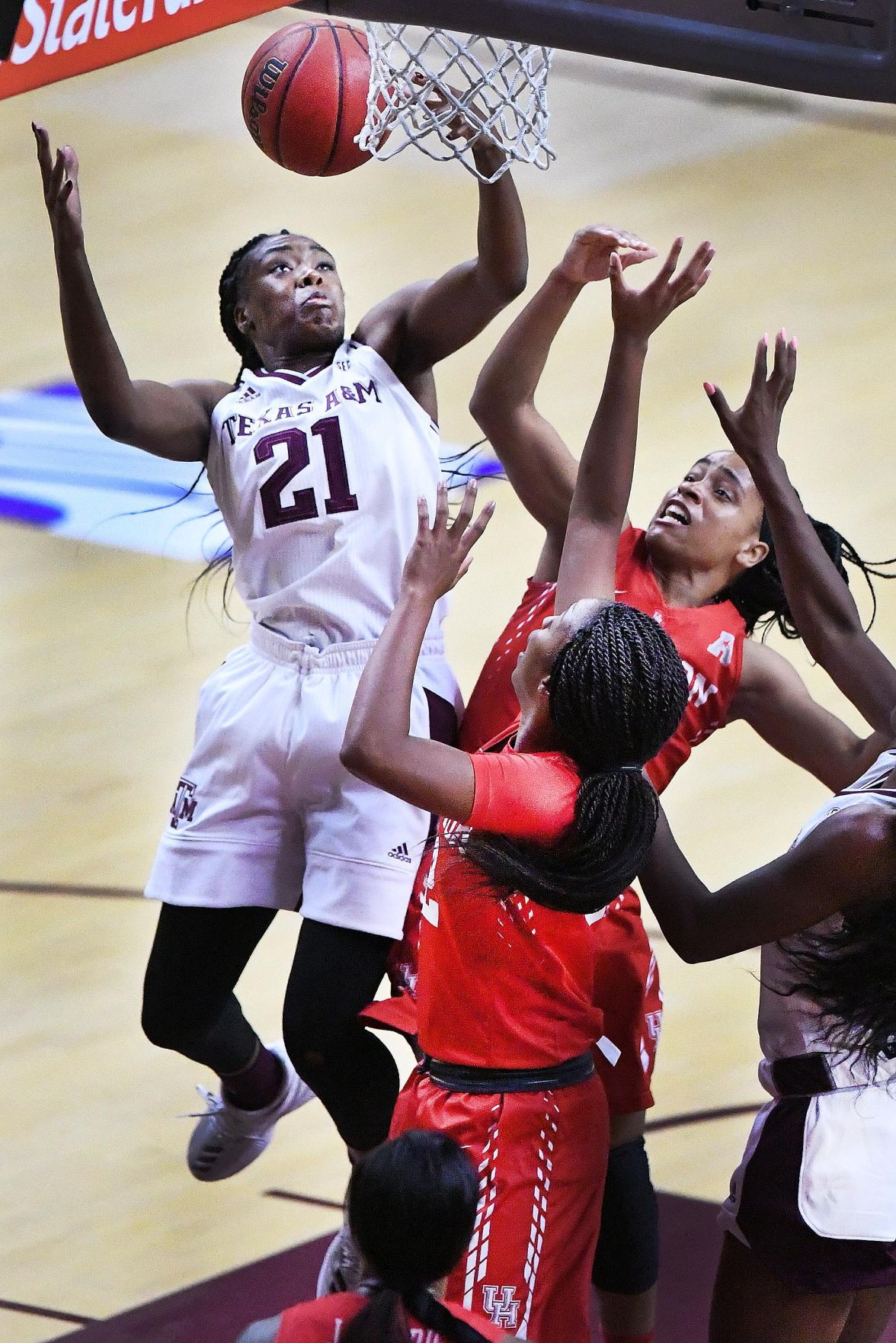 No. 20 Aggie women's basketball team opens with win over Cougars