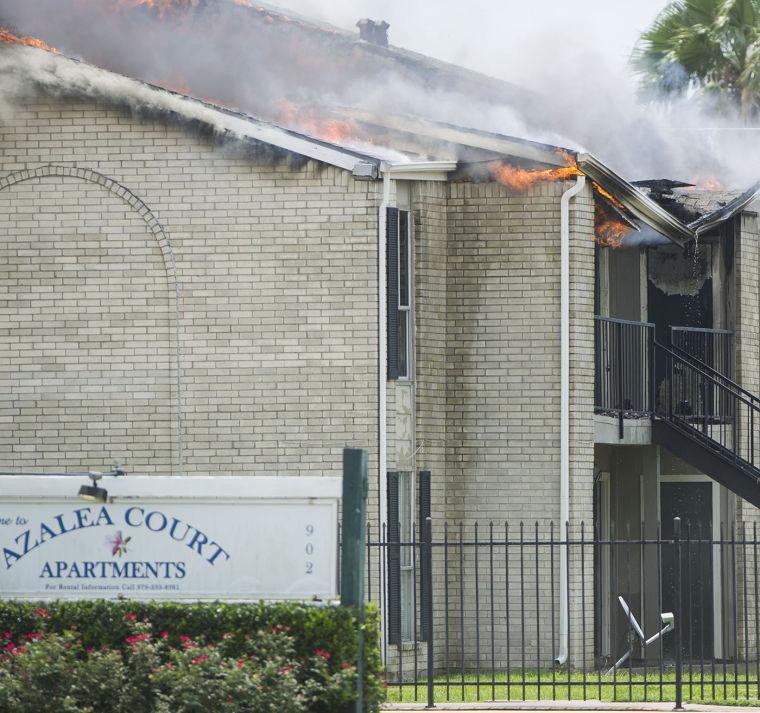 Blaze Destroys Freeport Apartment Building