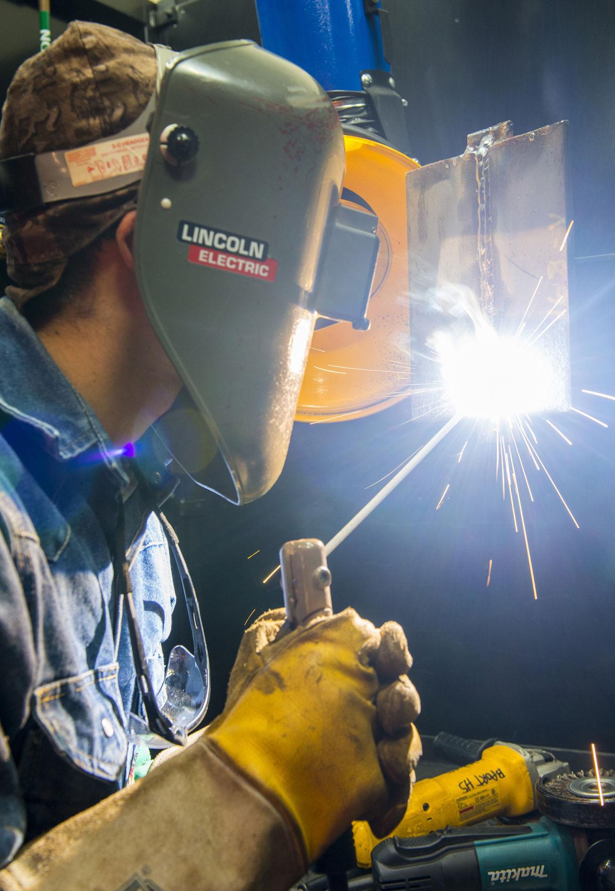 Brazosport College helps students get welding certification | News ...