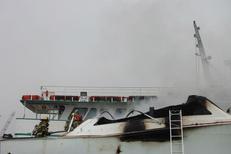041713 boat fire