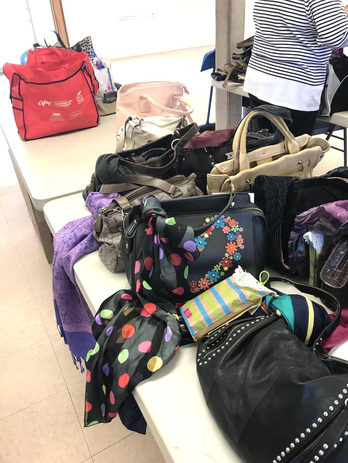 American Legion Post helps donate purses to veterans