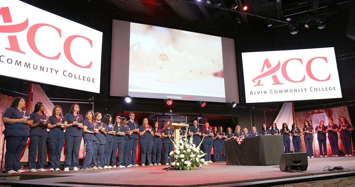 Nursing Students Receive Pins During Ceremony