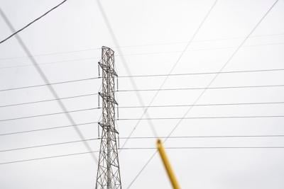 Clute power lines