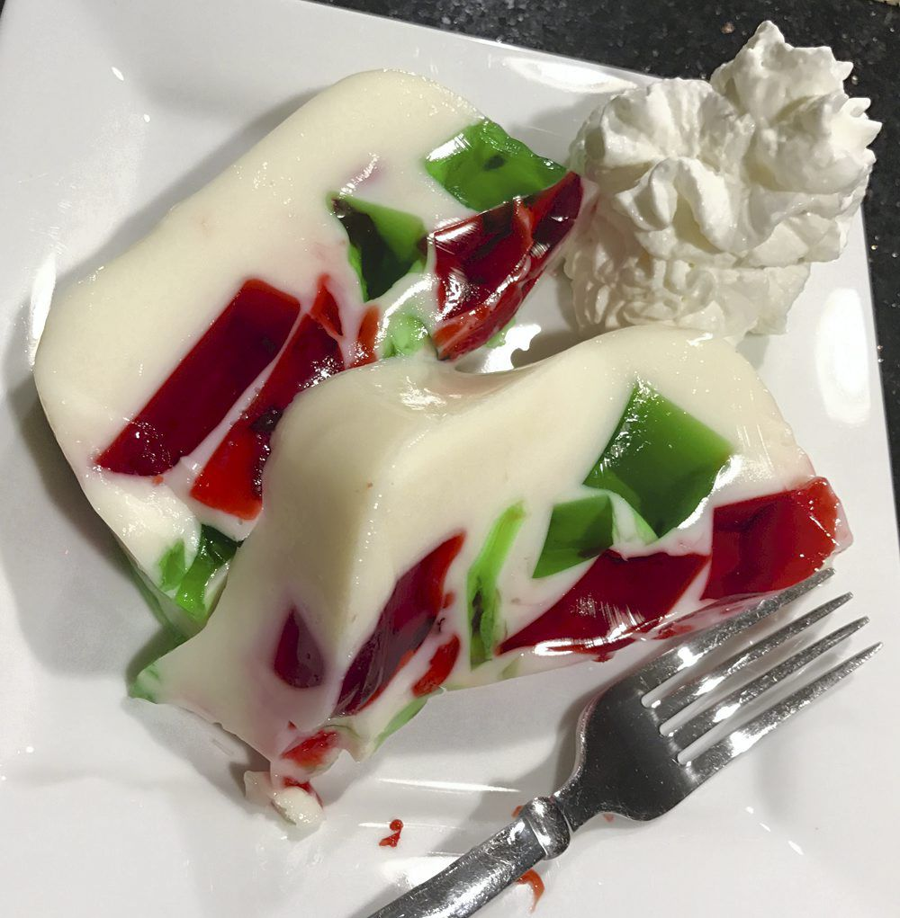 Gelatin Salads Add Color To Holiday Tables