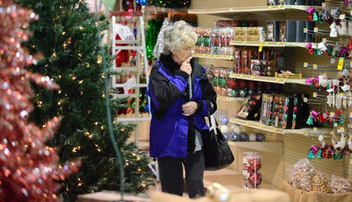Day After Christmas Shoppers Local News Theindependent Com