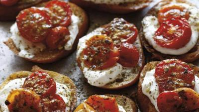 TS_Z'atar Roasted Tomatoes Crostini