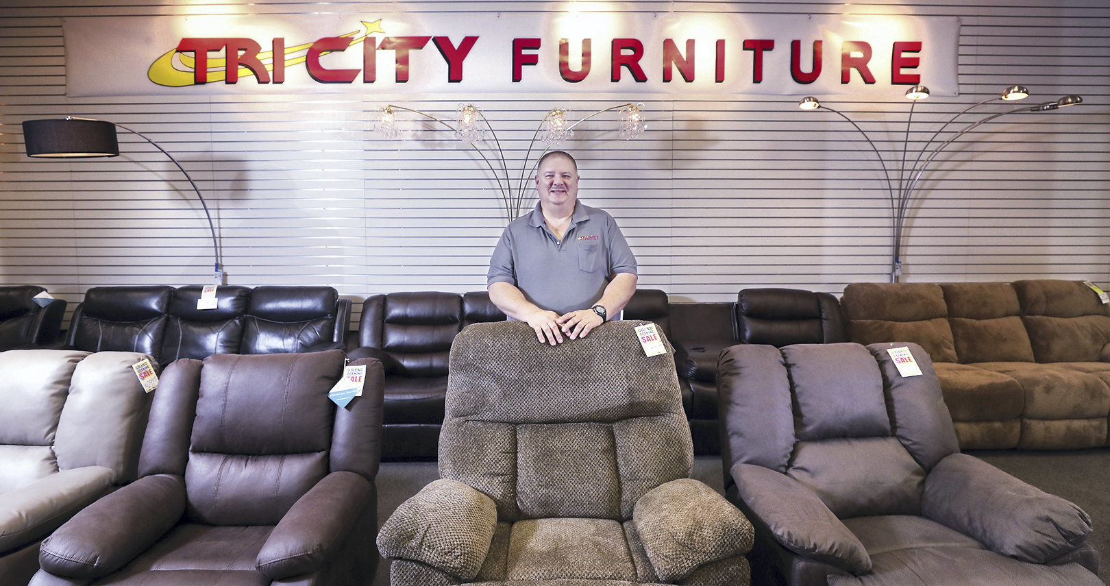 Bon BIZ_0729_tri_city_furniture001_ac