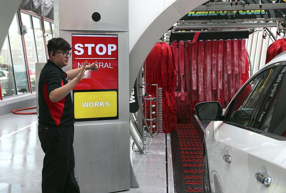 061021 Tomy's Car Wash 1