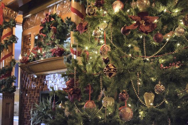 UNK FM Christmas Fireplace 2