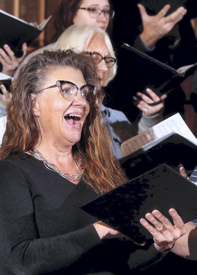 City_Singers_Jeanette_Bensen