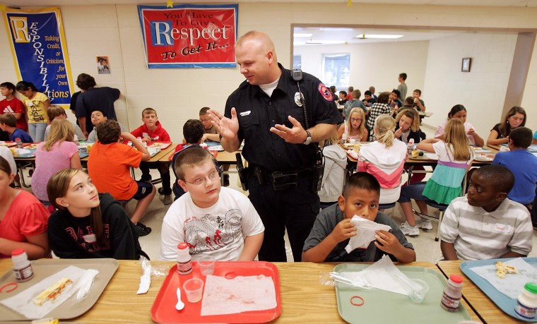 Police officer helps teach kids life lessons   Local News
