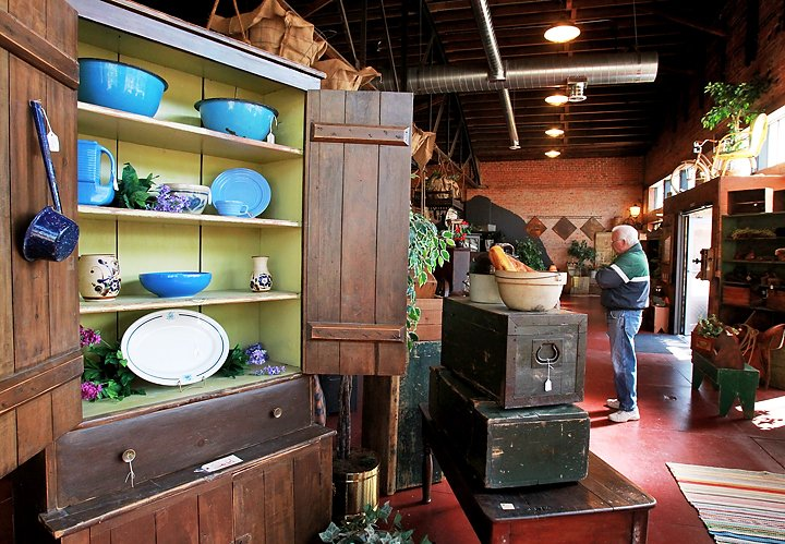 Primitive Touch: Grand Island's Newest Antique Store