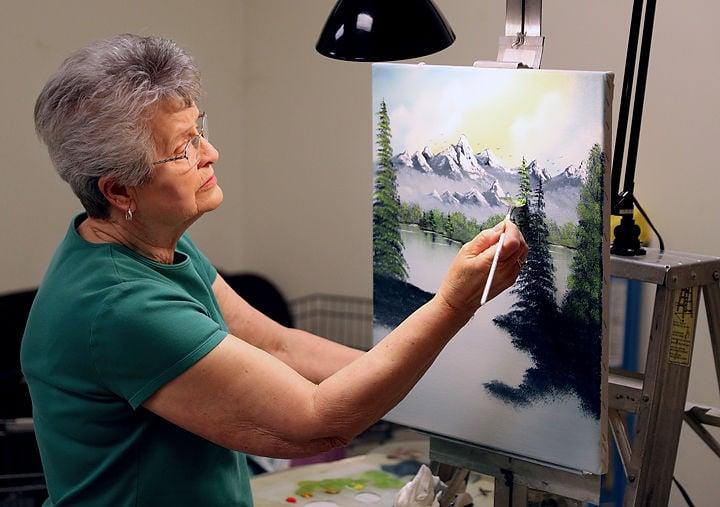 Cairo Woman Teaches Painting Class 9 Months A Year Cairo