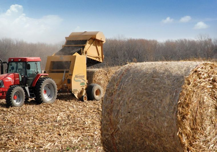 'Powered windguard' makes round baling even better