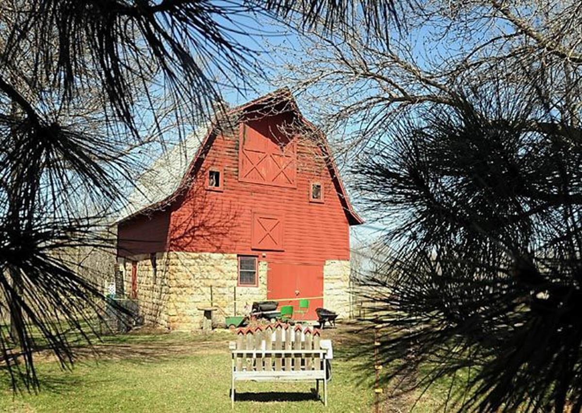 Living Center barn