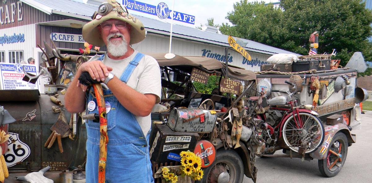 'Hillbilly Bob' brings cheer, good word to world
