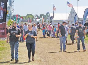 farmfest crowd