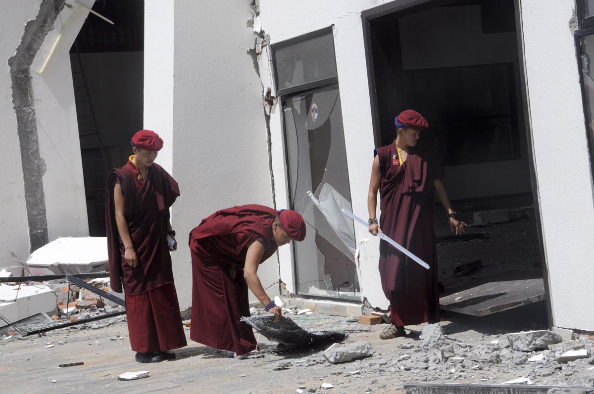 Nepal nuns