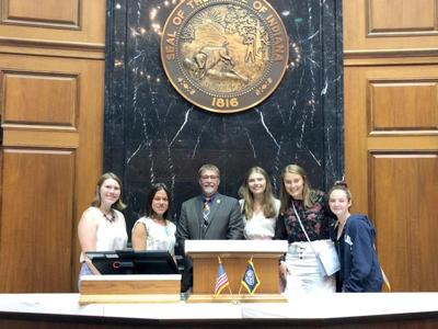Pressel welcomes La Lumiere students to Statehouse