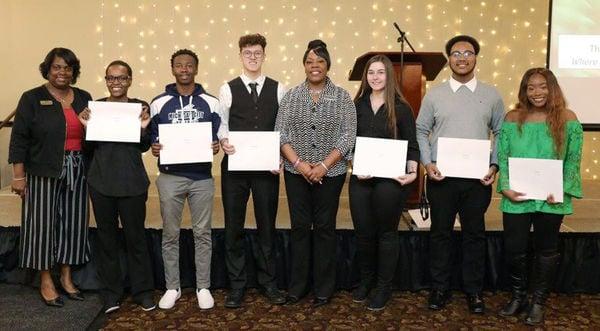Horizon awards scholarships to LP & Lake county kids