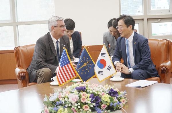 Gov. Holcomb concludes first economic development trip to South Korea