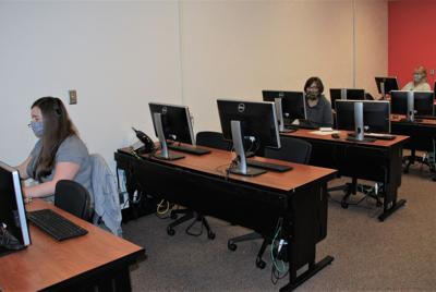 Call Center 4 - with three people.jpg