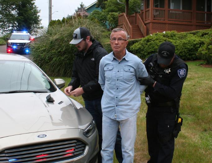 Van_Eaton_arrest.PNG