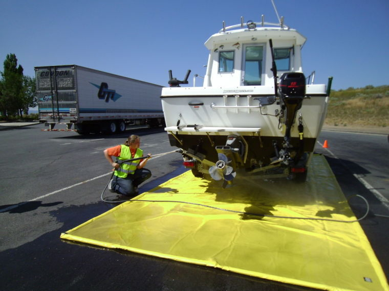 Boat inspection stations open in oregon to target invasive for Oregon department of fish and wildlife jobs