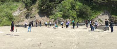 beach cleanup otter rock.jpg