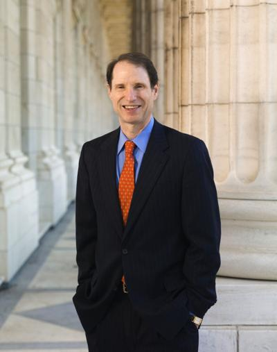Ron_Wyden_official_photo.jpg