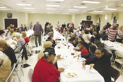 Annual Clarksville community Thanksgiving a success