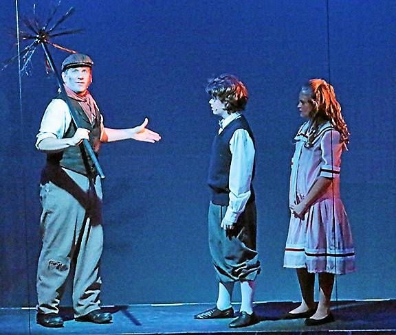 """Stagecrafters closes the year with """"Poppins"""" fun for the entire family"""
