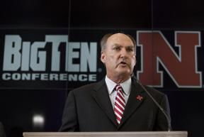 Big Ten must tackle divisions, scheduling