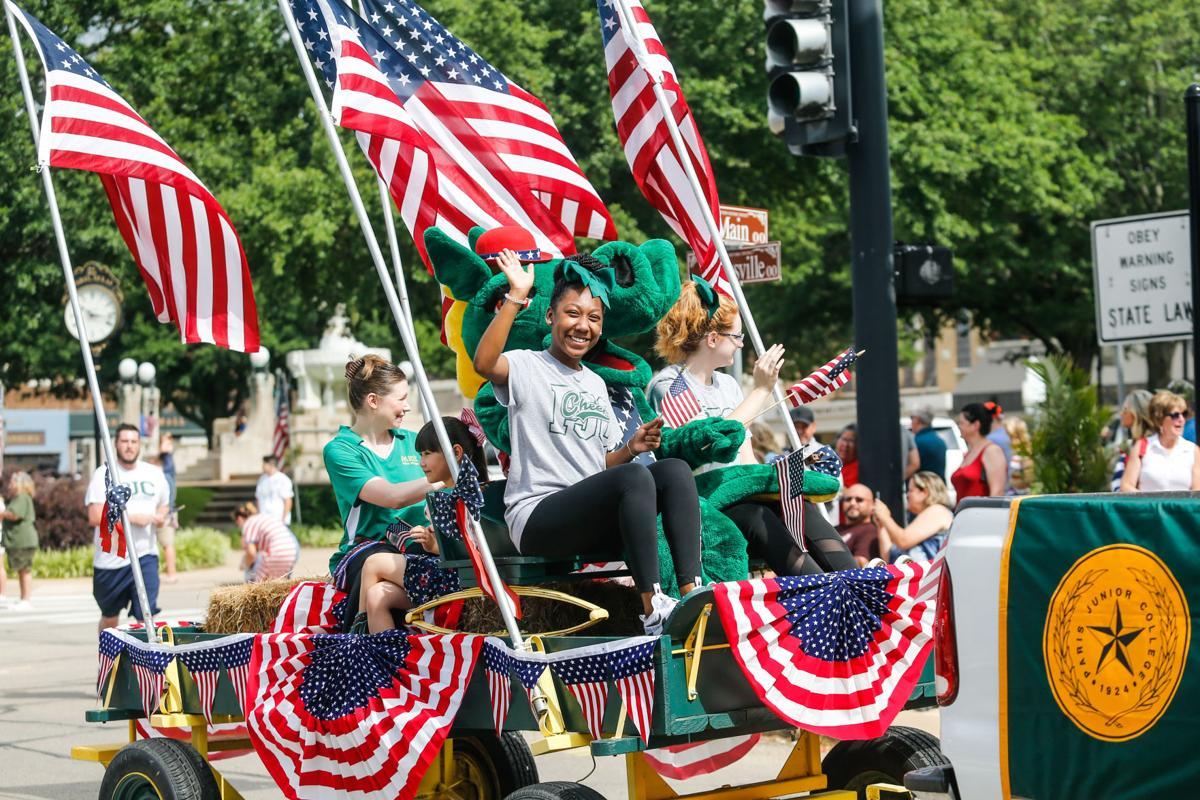 Celebrate America Parade 19-62.jpg