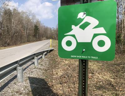 Signs mark joint purpose use roads